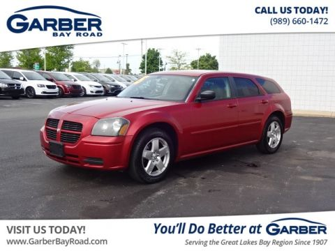 PRE-OWNED 2005 DODGE MAGNUM SXT AWD
