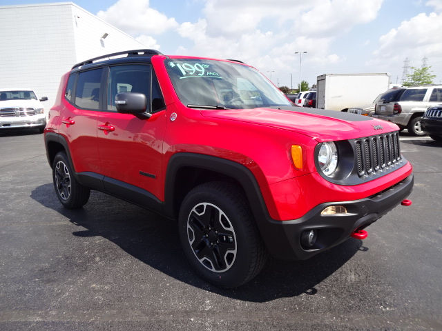 new 2017 jeep renegade trailhawk suv in saginaw hpf55664. Black Bedroom Furniture Sets. Home Design Ideas
